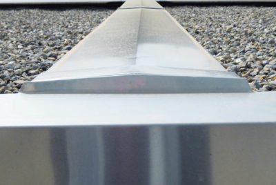 Alu-Dachrand zu Fertiggarage aus Beton