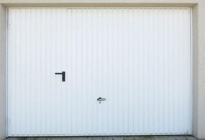 Servicetür im Tor eingebaut Aussenansicht