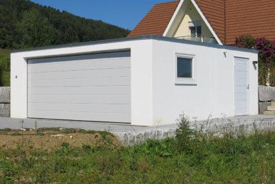 Vorgefertigte Doppelgarage mit Tor, Fenster und Servicetüre