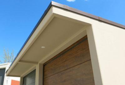 Vordach mit Kastenprofil und Lampenanschluss
