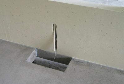 Wand- und Bodenaussparung für Elektrokasten