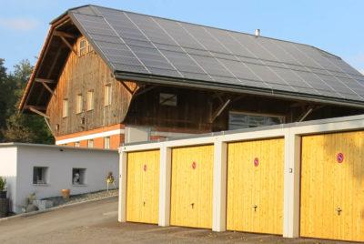 Avec des portes en bois et adaptés à l'environnement